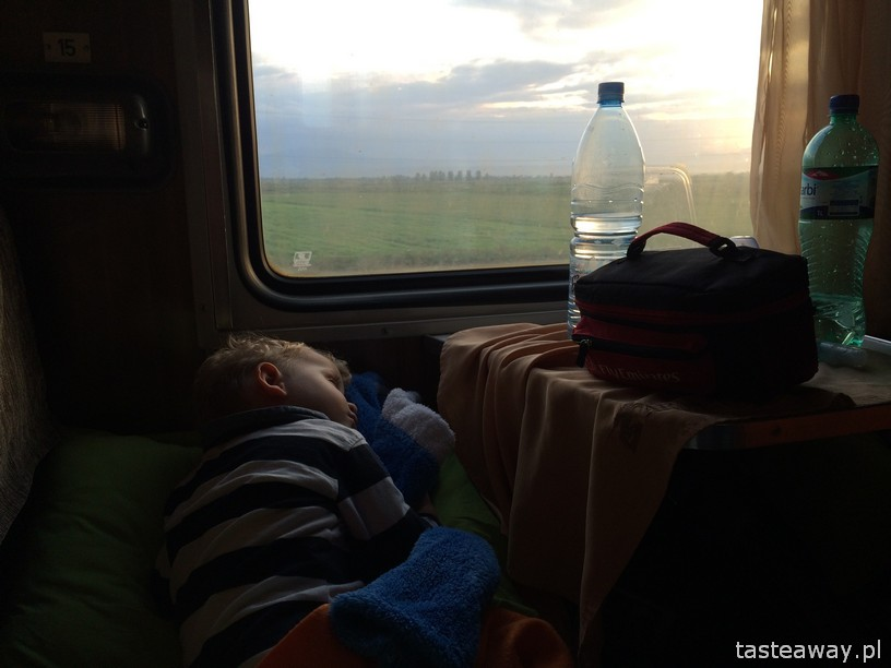 tbilisi to yerevan on a night train with a child