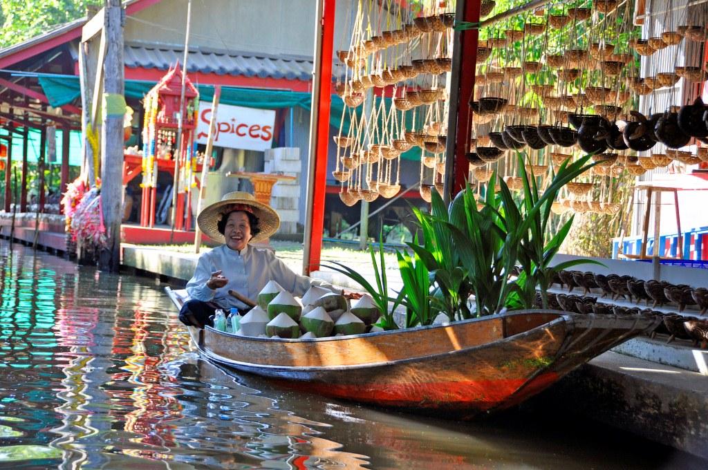 Damnoen Saduak, floating market, Krabi, Półwysep Phranang, Railay, rzeka Kwai, Samut Songkhram, gdzie wyjechać jesienią, kierunki na jesień, Tajlandia w listopadzie