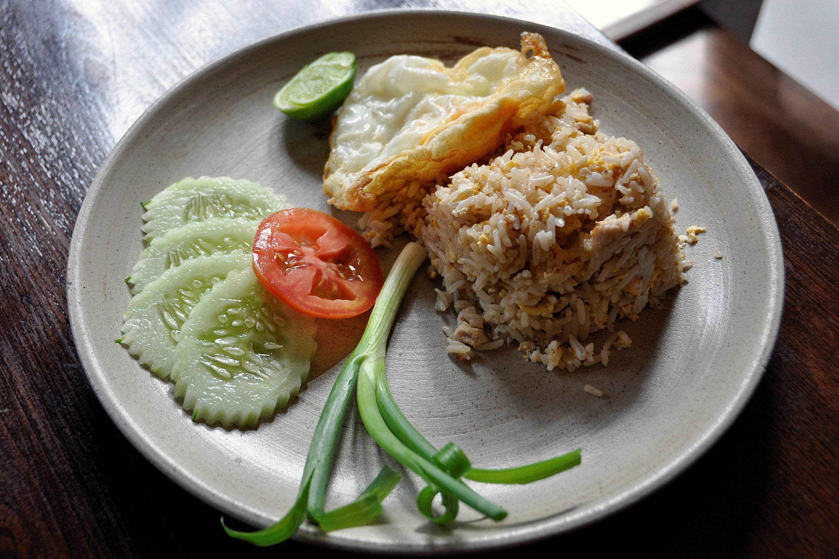 danie numer 1: ryż smażony z kurczakiem