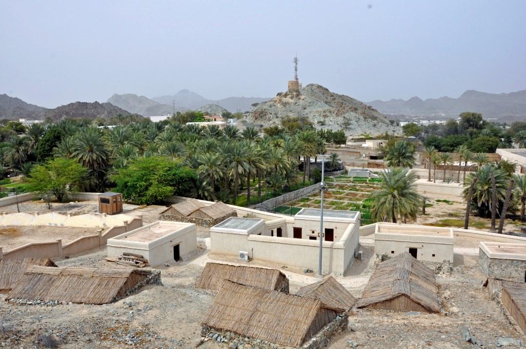 widok na wioskę z lokalnej wieży