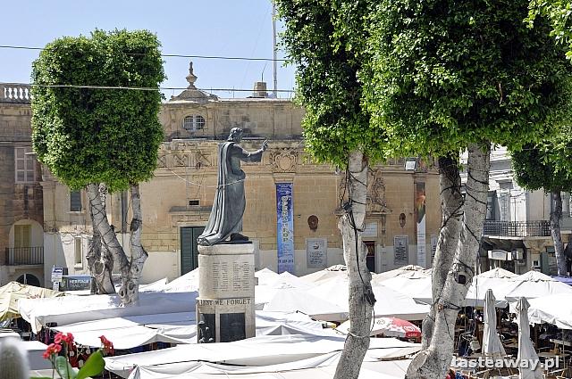 Victoria, Gozo, It Tokk, Piazza Independenzia