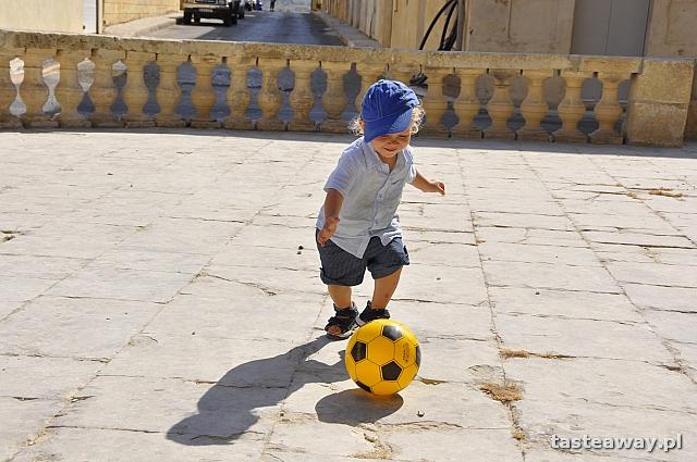 dziecko w podróży, Gozo
