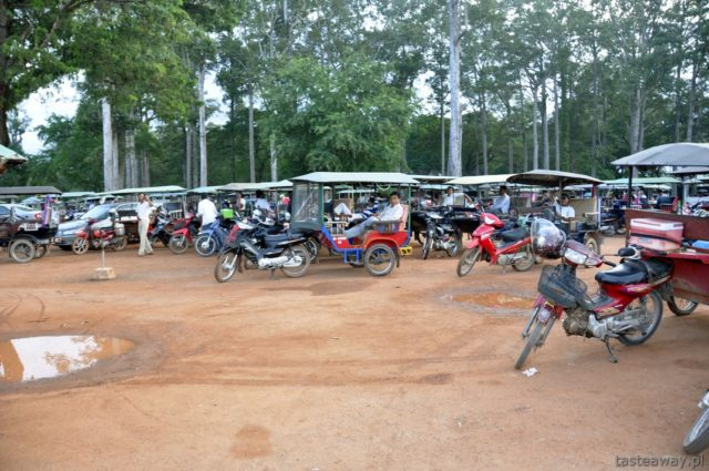Kambodża, Angkor Wat, Siem Reap, tuk tuk, transport w Kambodży