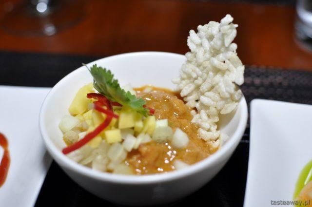 Kambodża, Siem Reap, Aha restaurant, Kuchnia khmerska, chipsy ryżowe