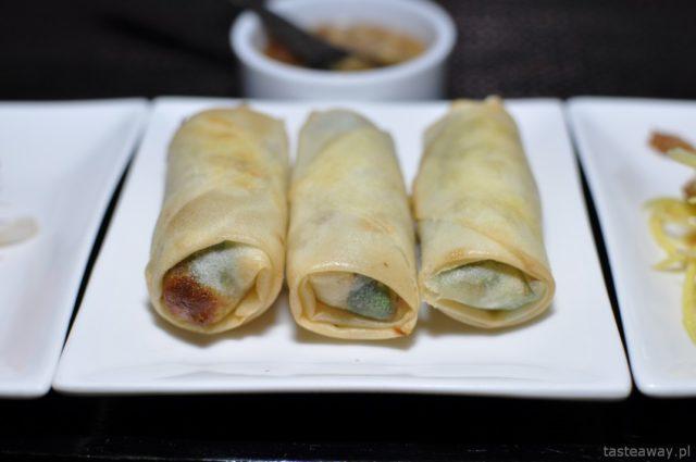 Kambodża, Siem Reap, Aha restaurant, sajgonki, kuchnia khmerska