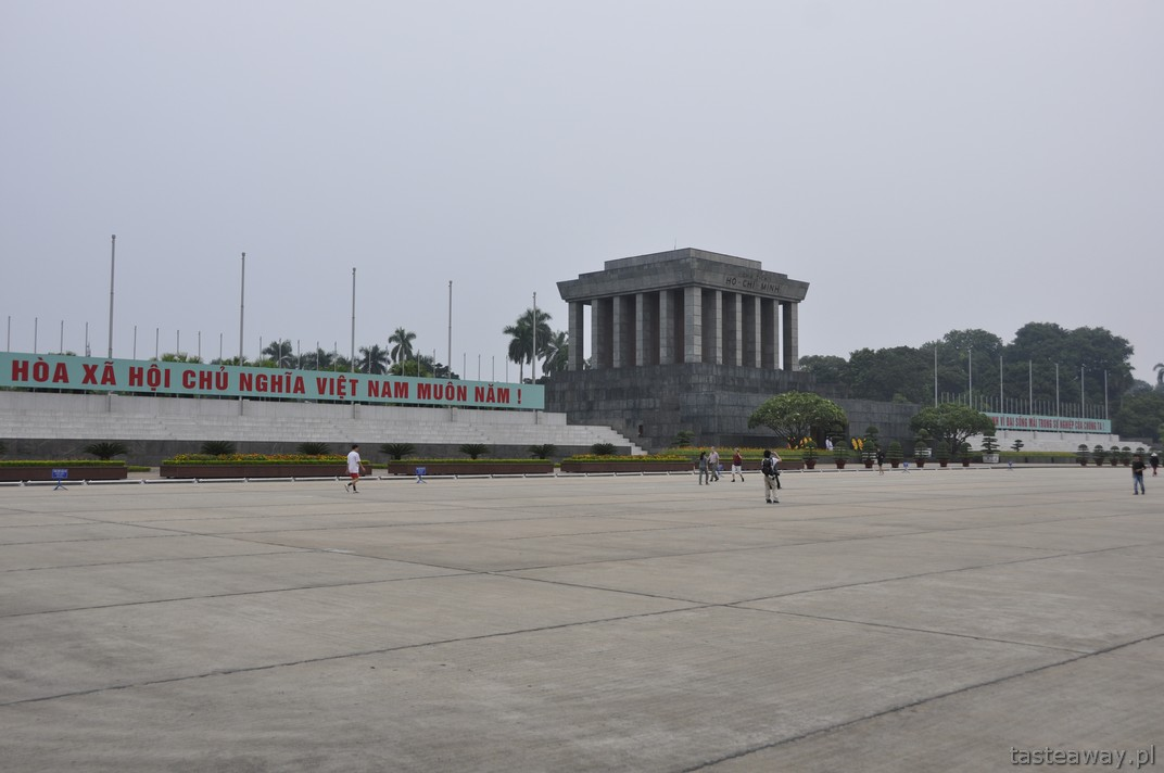 Mauzoleum Ho Chi Minha, wakacje z dzieckiem, Hanoi