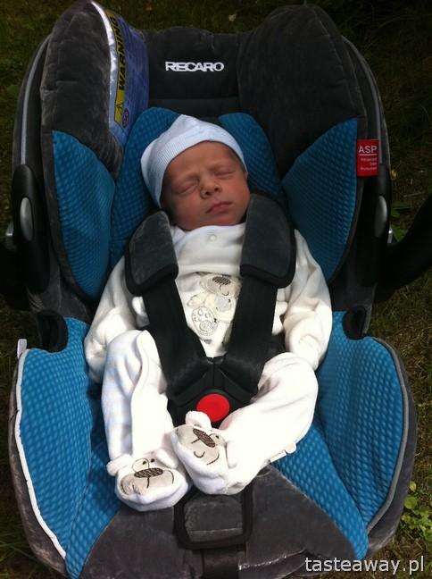 podróżowanie z niemowlakiem, dziecko w samochodzie