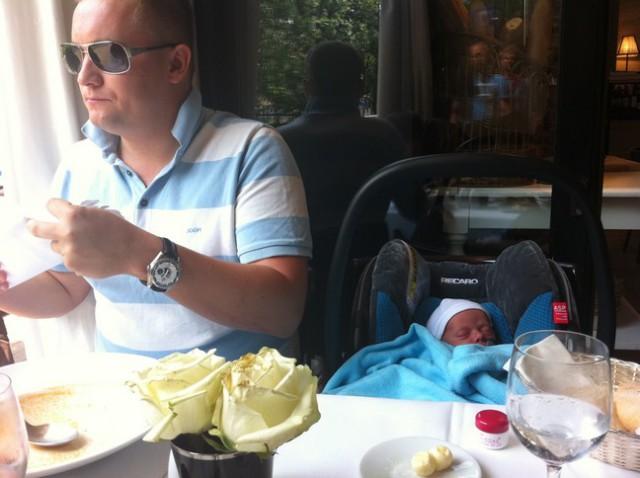 dziecko w restauracji, niemowlę w restauracji, R20, Warszawa