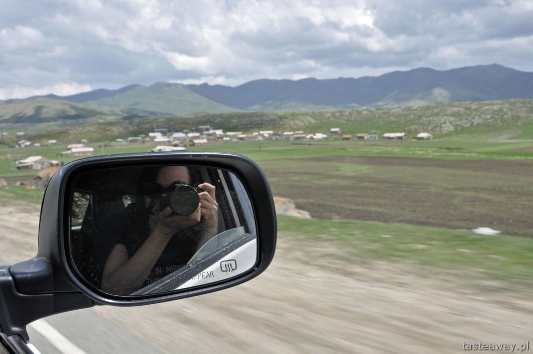 wynajem samochodu, jak wypożyczyć auto, podróżowanie samochodem