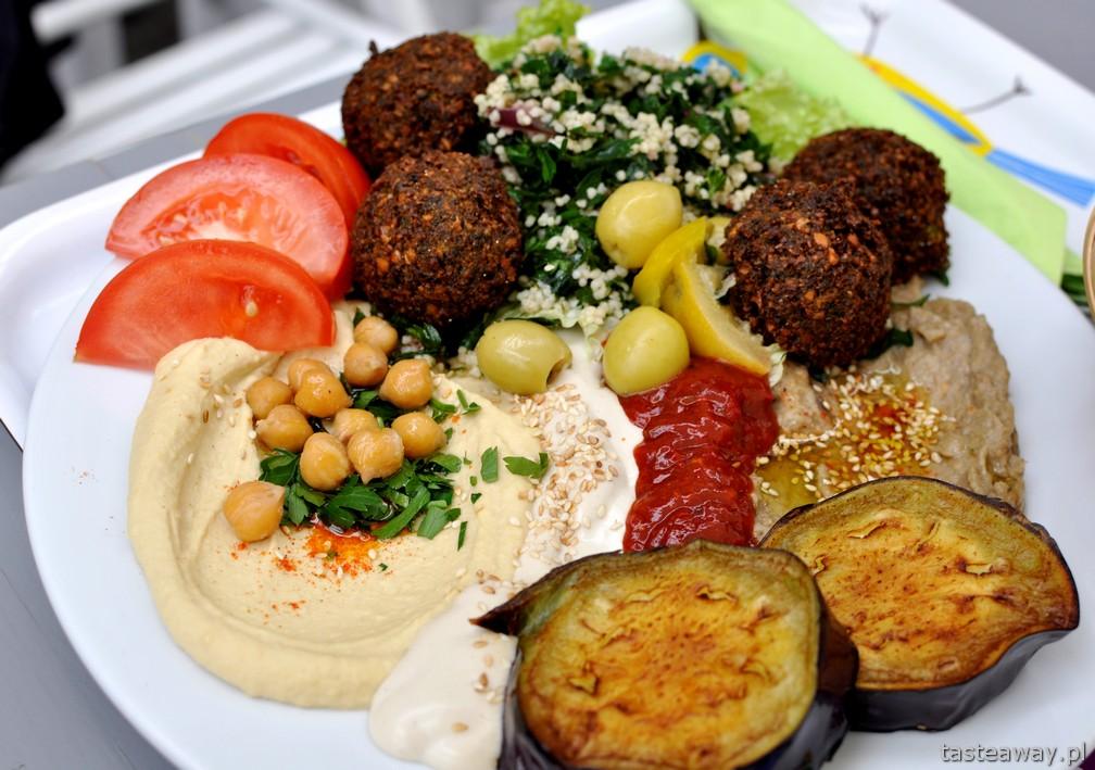 Mezze, humus, falafel