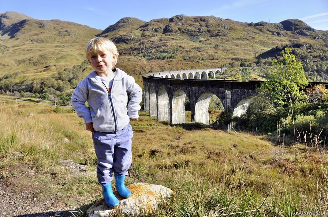 Szkocja, Wielka Brytania, Glenfinnan, podróżowanie z dzieckiem, wiadukt w Glenfinnan