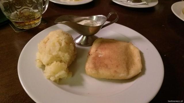 smażony ser, Praga, Lokal, czeskie jedzenie, Pilsner Urquell