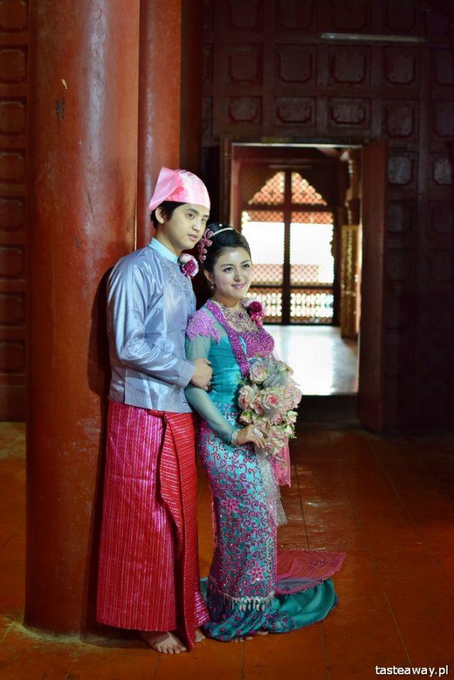 Birma, ludzie Birmy, Mandalay, Pałac Królewski, fotografowanie ludzi