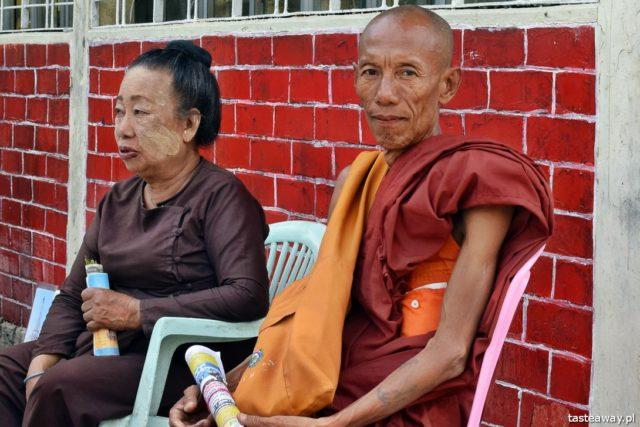 Birma, buddyzm, mnich, ludzie Birmy, fotografowanie w podróży, fotografowanie ludzi