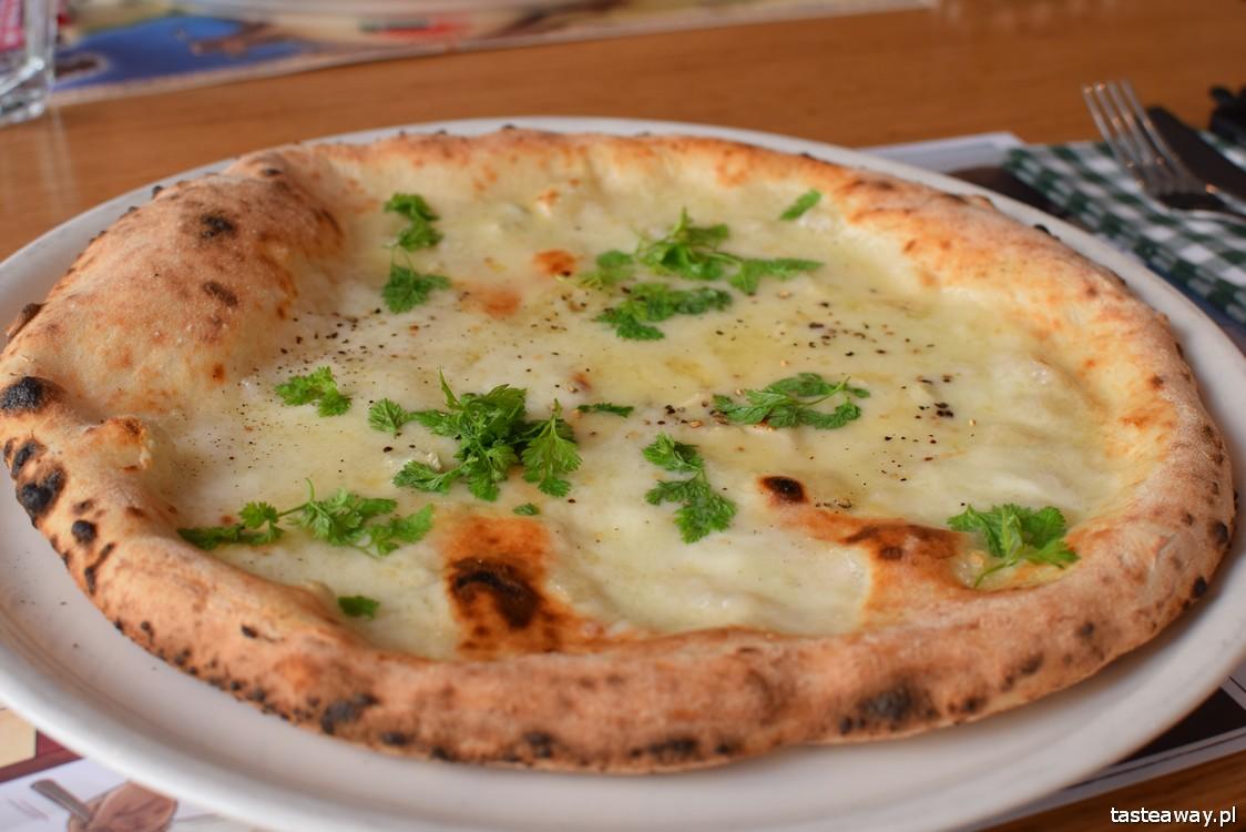 Mąka i Woda, kuchnia włoska, pizza, pasta, gdzie na pizzę w Warszawie, lunch w centrum, Due Formaggi, pizza z gorgonzolą