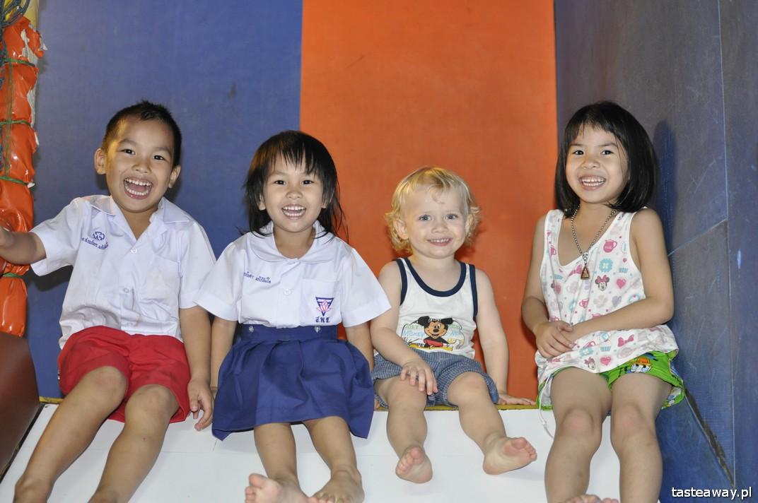 Bangkok, China Town, Tajlandia, podróżowanie z dzieckiem, dziecko w podróży, Tajlandia z dzieckiem