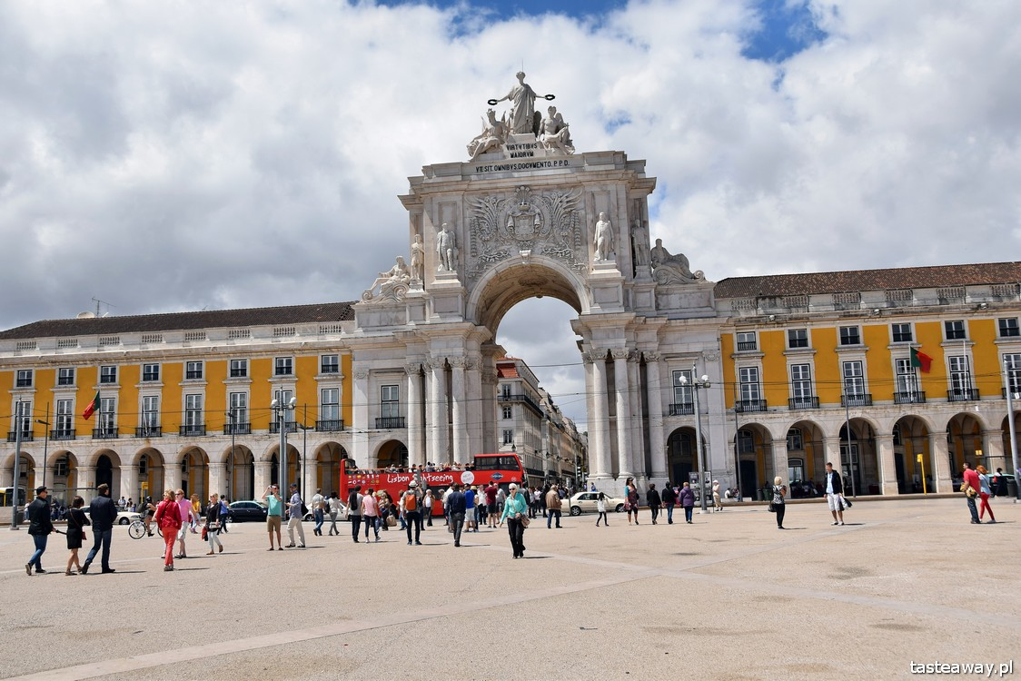 Lizbona, co zobaczyć w Lizbonie, Praca do Comercio