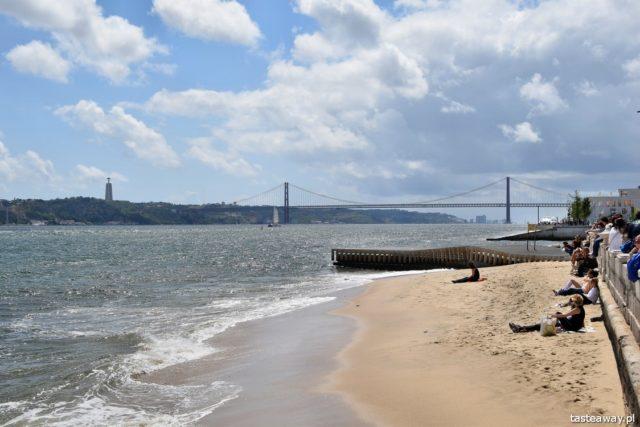 Lizbona, co zobaczyć w Lizbonie, atrakcje Lizbony, Portugalia, Chrystus w Lizbonie, Ponte 25 de abril