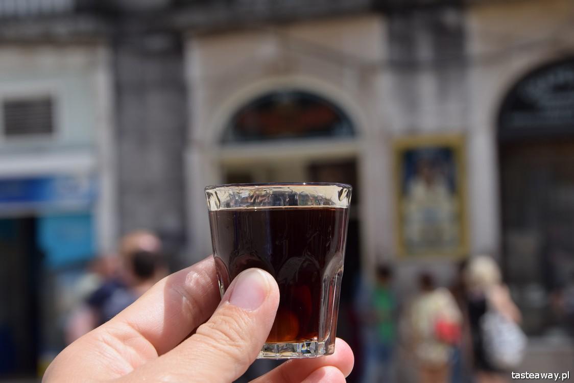 Lizbona, co zobaczyć w Lizbonie, atrakcje Lizbony, Portugalia, co pić w Lizbonie, Ginja, ginjinha, nalewka