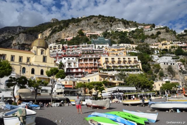 Positano, Italy, where to go for a romantic trip, a trip for two, honeymoon, proposal, most beautiful places in Italy, Amalfi coast, Villa Celentano, beach in Positano