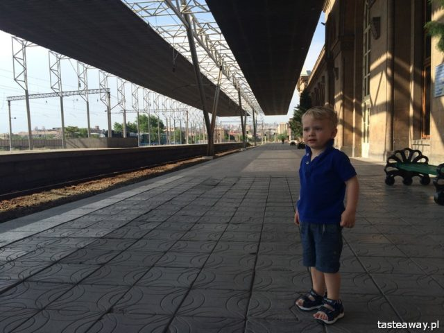 train travels, train with a child, a child on a train