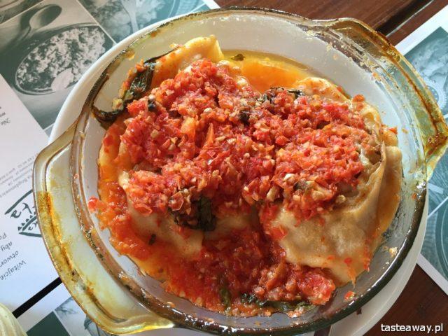 Tatarska Jurta, Kruszyniany, Dżenneta Bogdanowicz, Tatars in Poland, Tatar cuisine, magical places in Poland, katłama