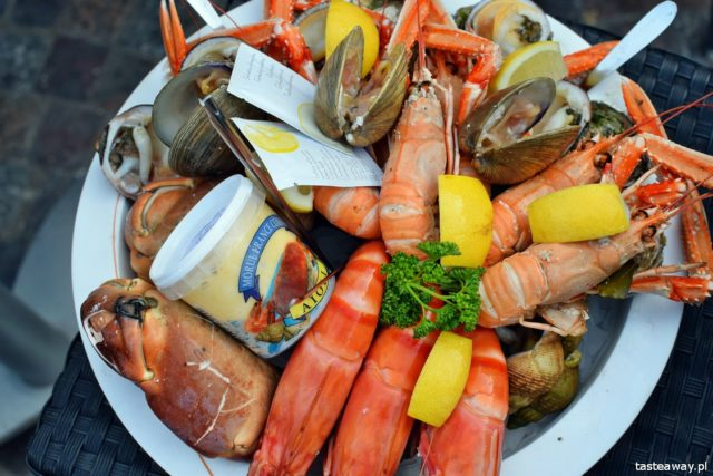 Francja, Normandia, owoce morza, targi z owocami morza