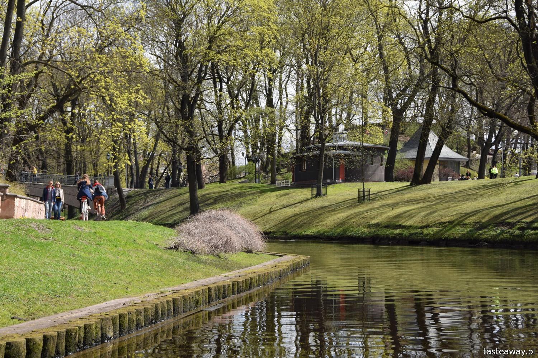 Łotwa, Ryga, co zobaczyć w Rydze, Ryga- atrakcje, starówka w Rydze, panorama Rygi, rejs łódką w Rydze