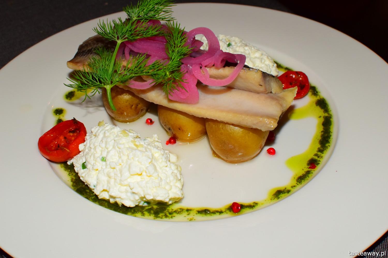 Ryga, Łotwa, starówka w Rydze, gdzie jeść w Rydze, restauracja Niklavs, śledź