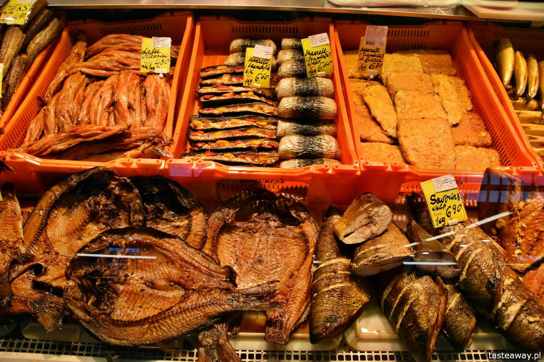 Ryga, Łotwa, co zobaczyć w Rydze, Ryga atrakcje, hale targowe w Rydze, Central Market, Centraltirgus, ryby, wędzone ryby