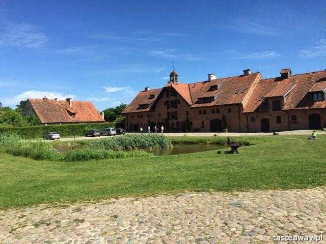 magiczne miejsca w Polsce, gdzie na weekend, gdzie na wyjazd we dwoje, urokliwe miejsca w Polsce, Mazury, Galiny, Pałac Galiny