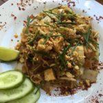 pad thai z kurczakiem – 30 zł