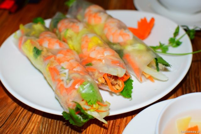 kuchnia azjatycka, azjatyckie jedzenie w Warszawie, gdzie na azjatyckie, chińskie, tajskie w Warszawie, wietnamskie w Warszawie, sajgonki, nem, Wi-Taj