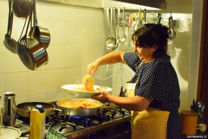 Agroturismo alle Torricelle, agroturystyka po włosku, Werona, gdzie spać w Weronie, Włochy, magiczne miejsca w Europie, spaghetti pomodoro, makaron, pasta, włoska mamma