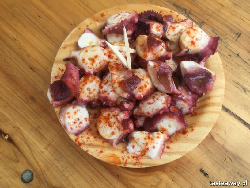 Kraj Basków, pintxos, Kraj basków kulinarnie, co robić w Kraju Basków, co zobaczyć w Kraju Basków, pintxos bary, San Sebastian, Donosti, Ondarroa, ośmiornica