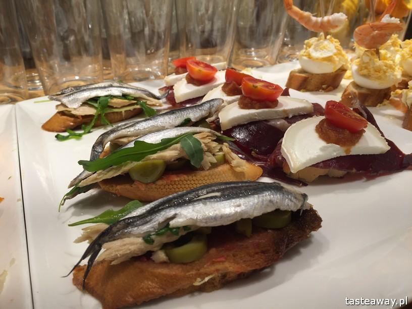 Kraj Basków, pintxos, Kraj basków kulinarnie, co robić w Kraju Basków, co zobaczyć w Kraju Basków, pintxos bary, San Sebastian, Donosti