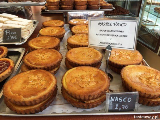 Kraj Basków, pintxos, Kraj basków kulinarnie, co robić w Kraju Basków, co zobaczyć w Kraju Basków, pintxos bary, San Sebastian, Donosti, pastel vasco