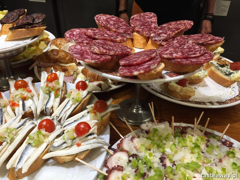 Kraj Basków, pintxos, Kraj basków kulinarnie, co robić w Kraju Basków, co zobaczyć w Kraju Basków, pintxos bary, San Sebastian
