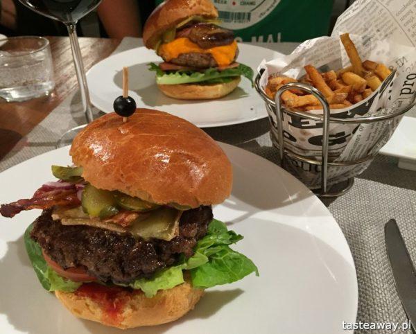 Bez Tytułu, restauracje Warszawa, gdzie na obiad, gdzie na lunch, najładniejsze restauracje w Warszawie, gdzie zjeść w Warszawie, burger z kaczką