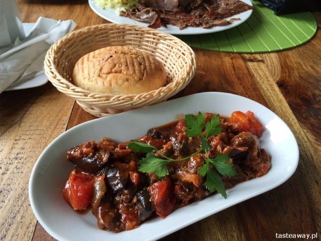 Saska Kępa, co jeść na Saskiej Kępie, restauracje Saska Kępa, Efes, restauracje Francuska, Efes Kebab, kuchnia turecka