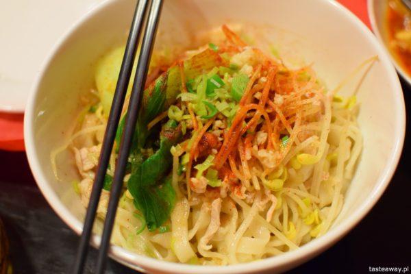 restauracja chińska, chińskie jedzenie, Warszawa, gdzie na chińskie, Tian House, podroby wołowe, makaron you poi