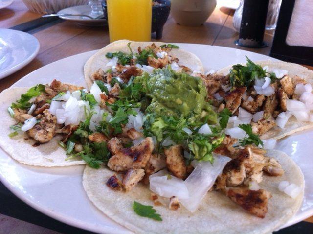 street food, kuchnia uliczna, street food, który musisz spróbować, potrawy kuchni ulicznej, Meksyk, tacos, co jeść w Meksyku