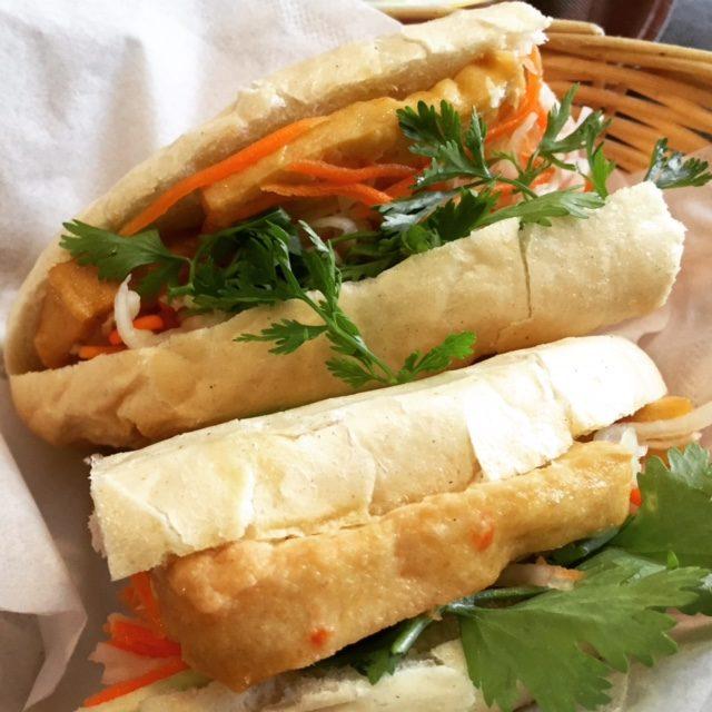 street food, kuchnia uliczna, street food, który musisz spróbować, potrawy kuchni ulicznej, Wietnam, Banh mi