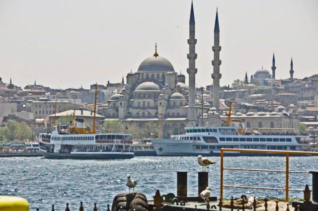 street food, kuchnia uliczna, street food, który musisz spróbować, potrawy kuchni ulicznej, Istambuł, Turcja, Balik Ekmek