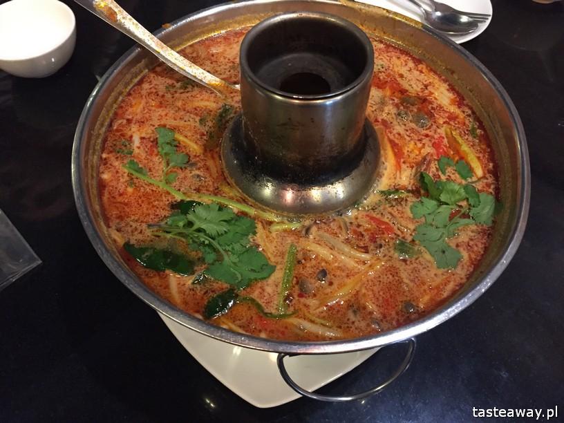 co jeść w Tajlandii, czego spróbować w Tajlandii, kuchnia tajskie, tajskie potrawy, tajskie zupy, tom yum kung