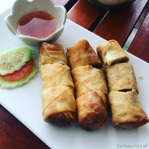 co jeść w Tajlandii, czego spróbować w Tajlandii, kuchnia tajskie, tajskie potrawy, tajskie sajgonki, spring rolls