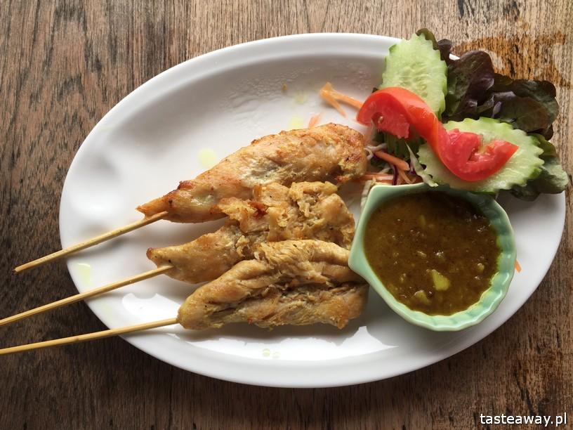 co jeść w Tajlandii, czego spróbować w Tajlandii, kuchnia tajskie, tajskie potrawy, satay z kurczaka, satay gai