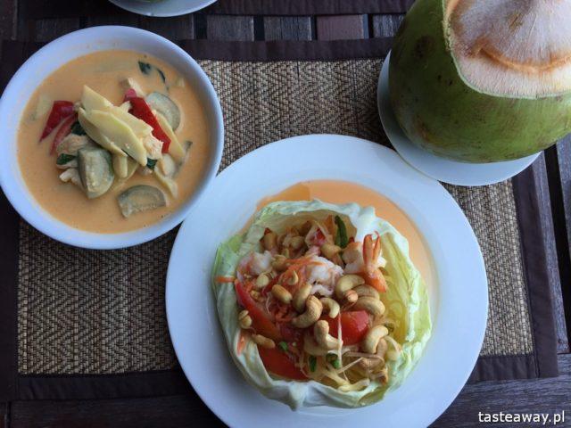 Koh Ngai, rajskie wyspy, gdzie na rajską plażę, Koh Lanta, tajskie wyspy, co zobaczyć w Tajlandii, Koh Hai, Thanya Beach Resort, red curry, papaya salad