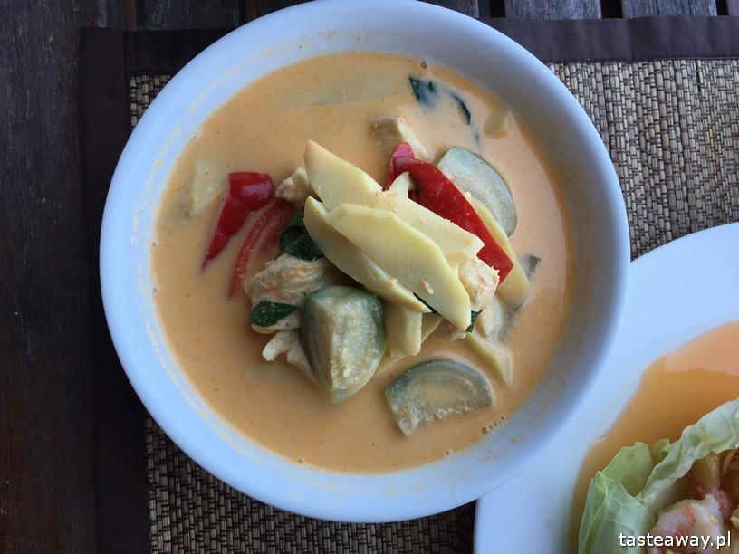 co jeść w Tajlandii, czego spróbować w Tajlandii, kuchnia tajskie, tajskie potrawy, tajskie curry, red curry