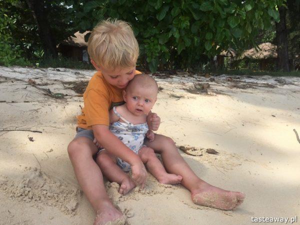podróżowanie z dzieckiem, podróżowanie z niemowlakiem, dziecko w podróży, podróże egoztyczne z dzieckiem